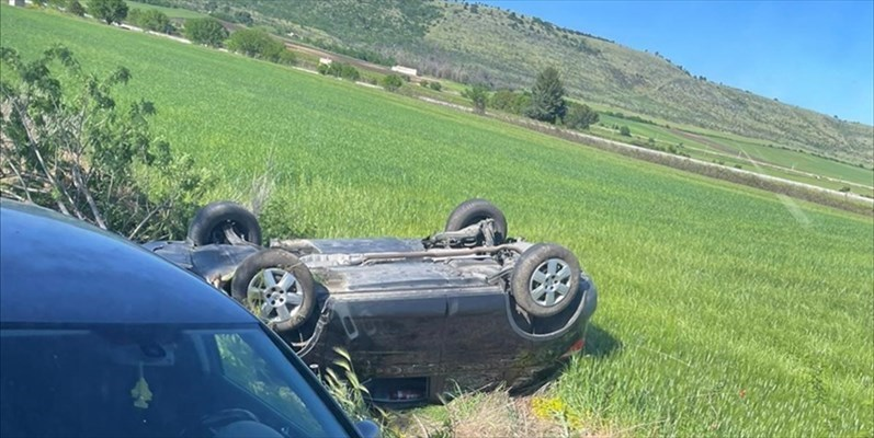 Brutto incidente sulla Minervino - Spinazzola, auto si ribalta