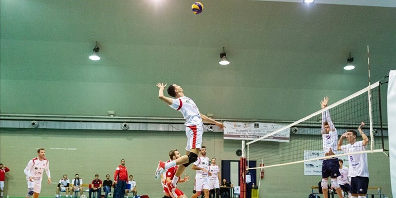 La M2G Group Bari conquista il primo derby stagionale: 3-0 al Volley Gioia