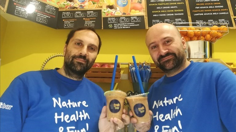"Gusto e genuinità. Apre a Bari il ""Fruit Bar"" di Domenico e Gianni Altomare"