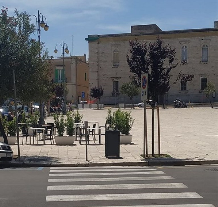 dehors in piazza